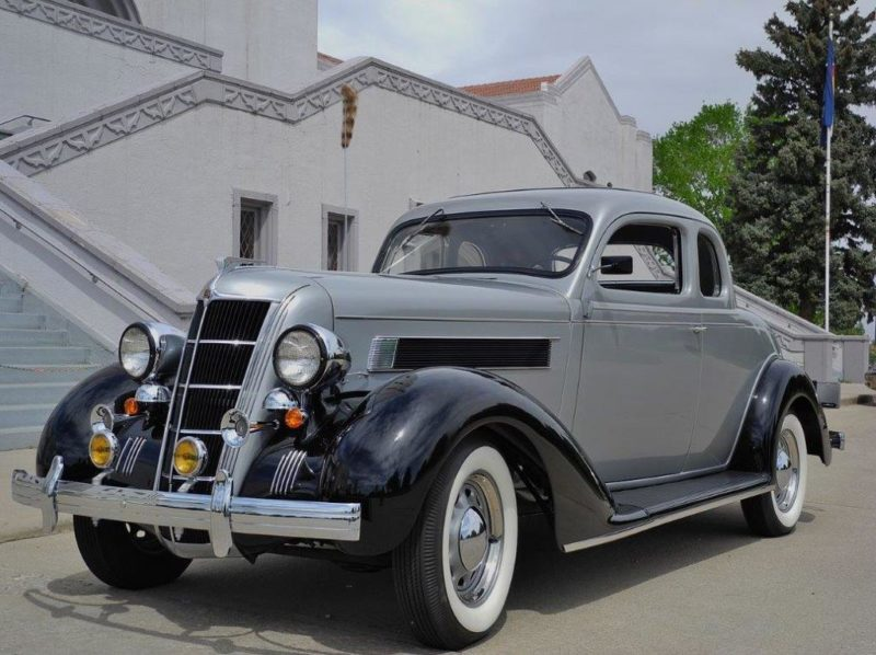 1935 Chrysler Airstream Coupe
