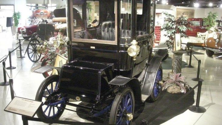 1911 Studebaker Electric